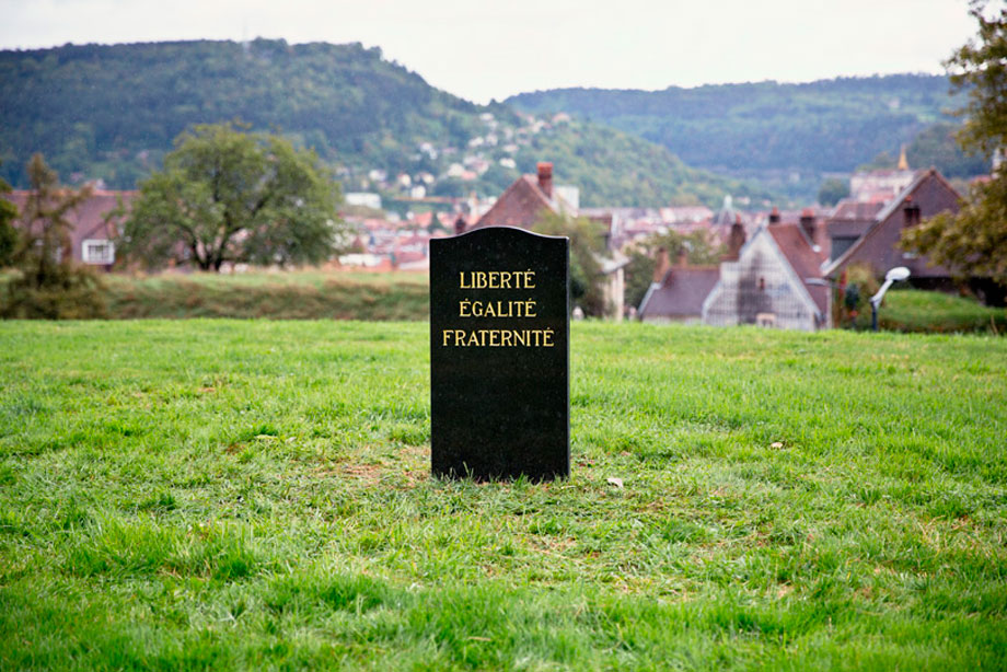 """Funeral"" - Besançon (France). 70 x 100 cms. Photograph on dibond. Edition of 5 + AP."