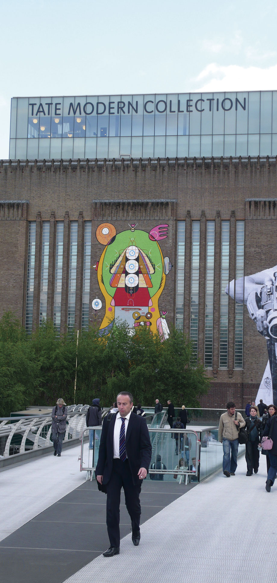Street Art Tate Modern: Exhibition London Sixeart